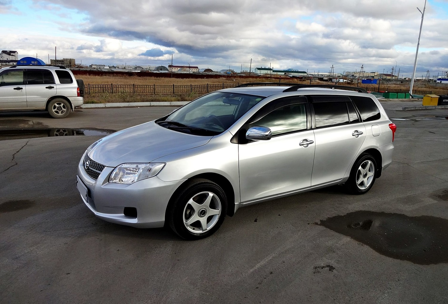 "<span style=""font-weight: bold;"">Toyota Corolla fielder 2009г</span><br>"